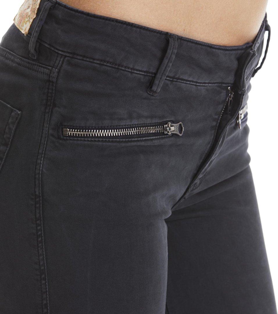leg-endary slits jeans