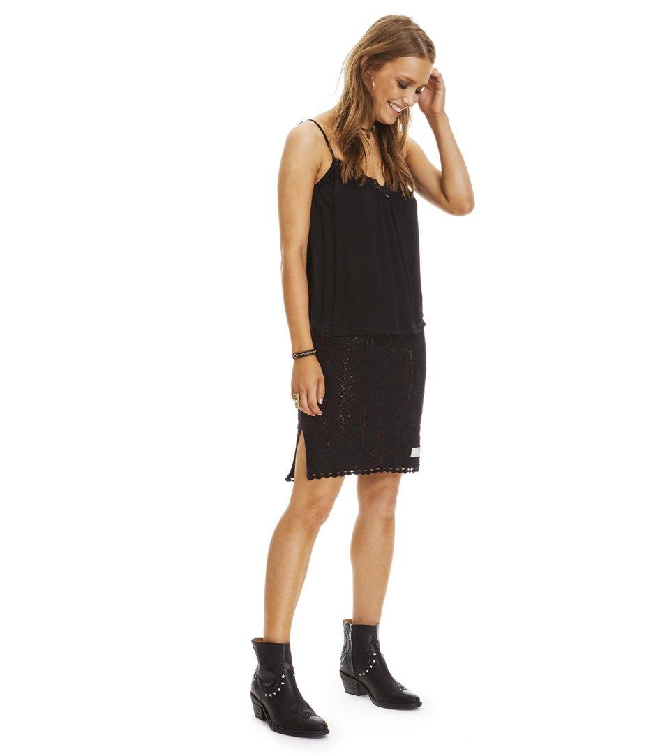 Vibrato Skirt